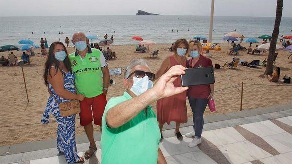 Moncloa cancela los viajes del Imserso por el coronavirus: 'Sería una insensatez mantenerlos'