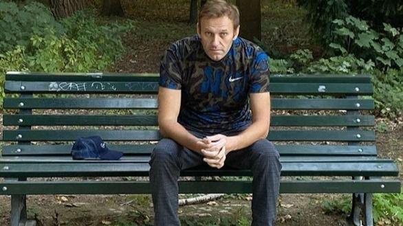 El opositor ruso Navalni comparte sus primeras imágenes tras recibir el alta: necesitaba ver árboles