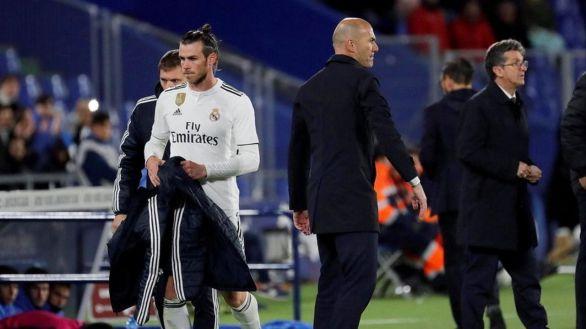 Bale y su agente lanzan dardos al Real Madrid y Zidane les obvia