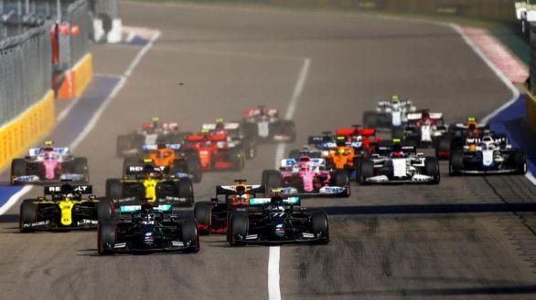 GP Rusia. Bottas gana en un mal día para Hamilton y Sainz