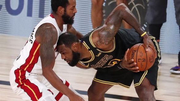 NBA Finals. Los Lakers amenazan con barrer a Miami de camino al anillo | 2-0