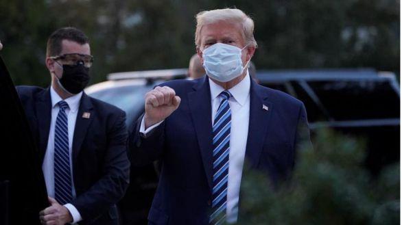 Trump vuelve a la Casa Blanca pese a la advertencia de los médicos: