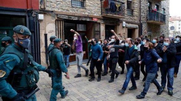 Bildu critica la detención de tres etarras vinculados a un zulo con explosivos hallado en Álava