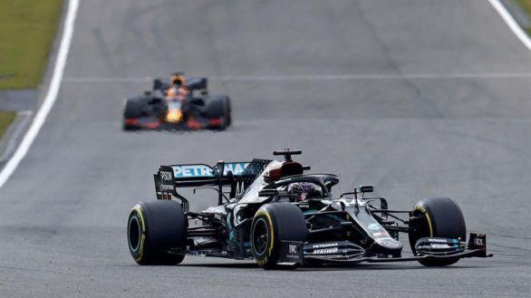 GP Eifel. Hamilton gana y alcanza a Michael Schumacher