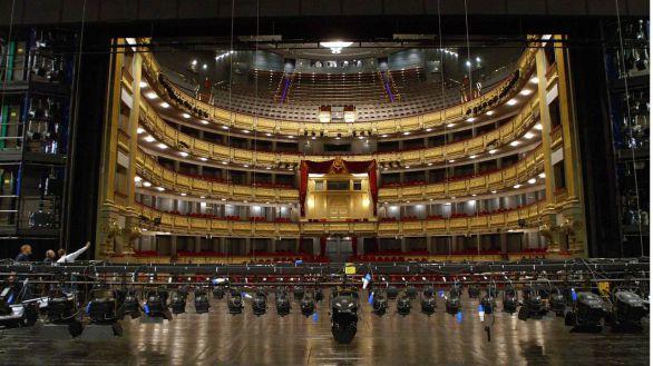 El Teatro Real suspende un espectáculo por el estado de alarma en Madrid