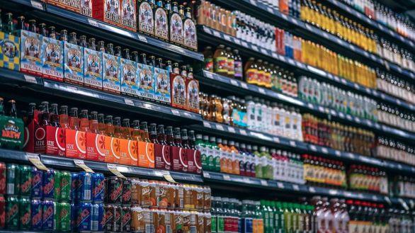 Los fabricantes de refrescos cargan contra el Gobierno por aumentar el IVA: