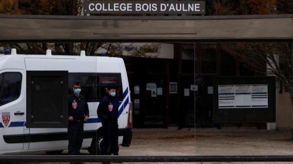 El terrorista que decapitó a un profesor francés tenía estatuto de refugiado