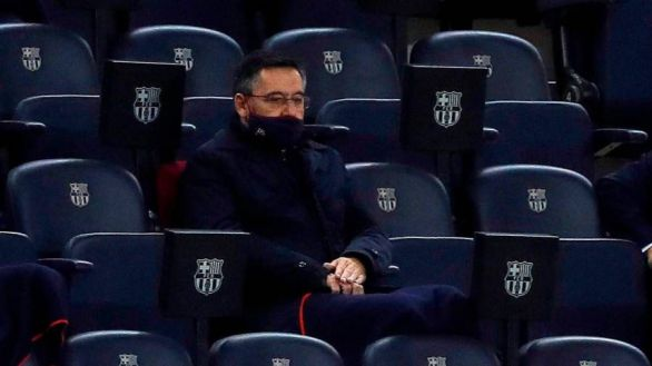 Los jugadores del Barcelona se rebelan ante el recorte salarial de Bartomeu