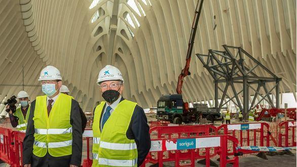 Ximo Puig e Isidro Fainé visitan las obras de CaixaForum València