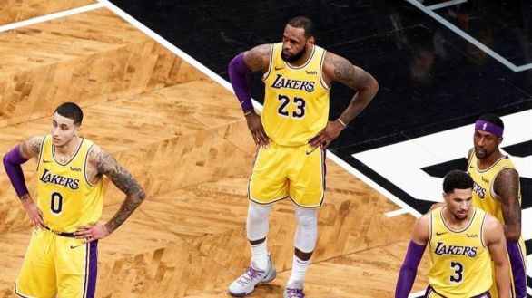 NBA. LeBron James es acusado de cometer una ilegalidad reiterada