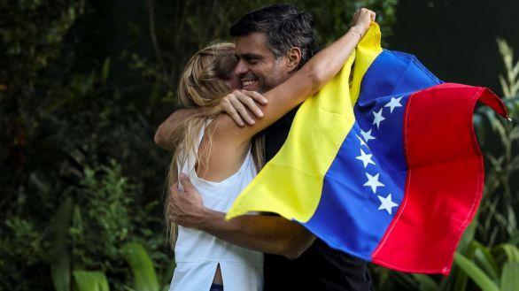 Leopoldo López ya ha llegado a Madrid tras huir de Venezuela