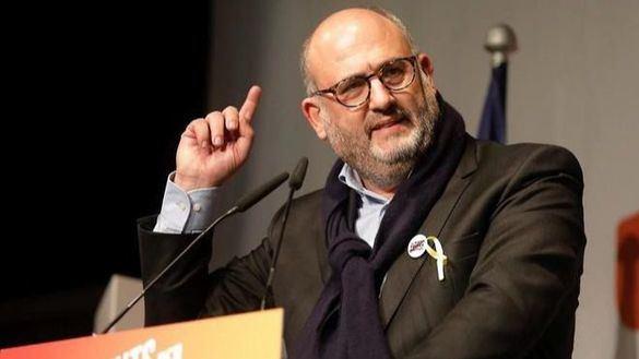 Puigdemont suspende de militancia a su portavoz parlamentario por presunto acoso sexual