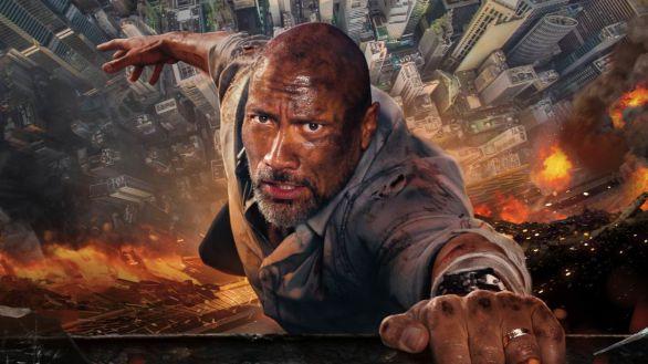 Imagen promocional de la película 'El rascacielos', protagonizada por Dwayne Jonhson.