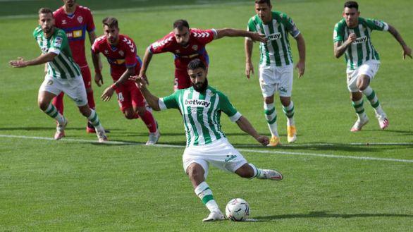 El Betis vuelve a brillar y frena al Elche | 3-1