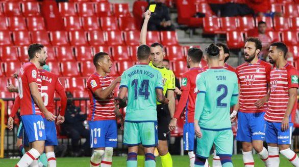 El Granada paga el cansancio y no puede con un Levante en inferioridad | 1-1