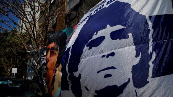 Maradona evoluciona favorablemente y sin secuelas