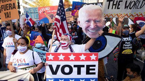 La campaña de Biden amenaza con expulsar por la fuerza a Trump de la Casa Blanca