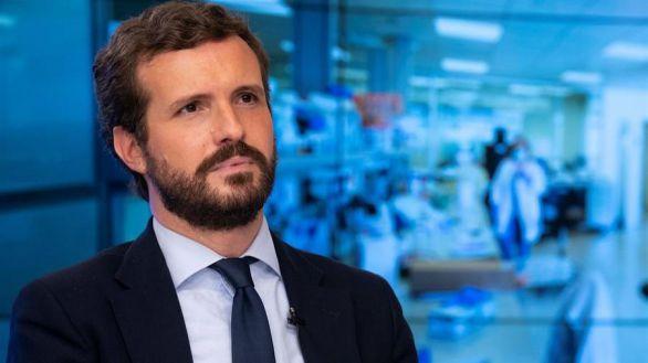 Casado ve peligrar los fondos europeos por los ataques de Sánchez a la libertad de prensa