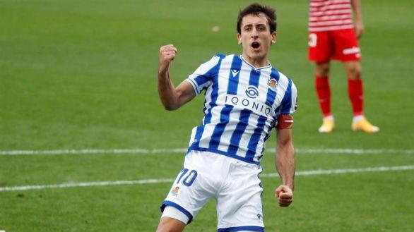 La Real Sociedad se aúpa al liderato ante el fantasma del Granada |2-0