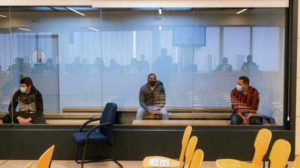Juicio del 17-A: uno de los acusados no declara y los otros dos niegan su participación