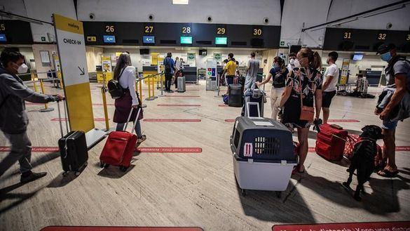 España exigirá ahora una PCR negativa a los turistas que lleguen de países de riesgo