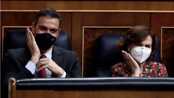 Calvo defiende la negociación del Gobierno con Bildu y tilda al PP de