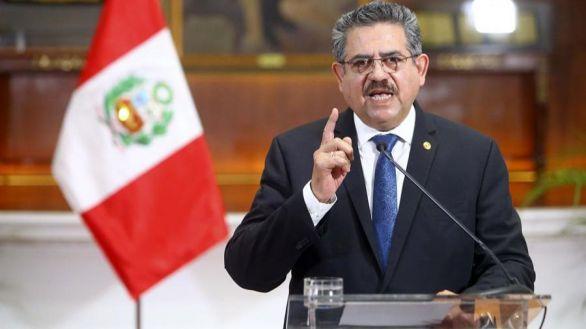 Merino renuncia como presidente de Perú tras varios días de protestas