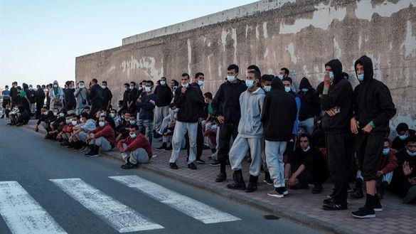 Canarias pide explicaciones a Interior por dejar en la calle a más de 200 inmigrantes