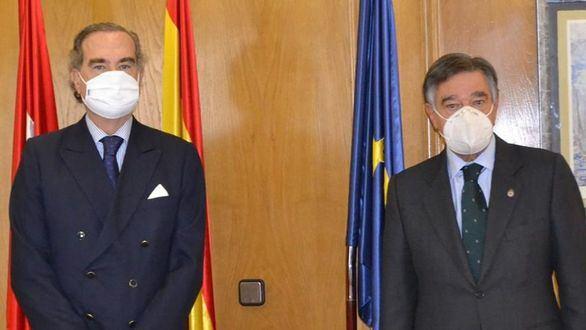 Farmacéuticos y abogados madrileños firman un convenio para promover acciones conjuntas