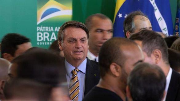 Brasil atribuye a un 'error humano' la recomendación de distanciamiento social