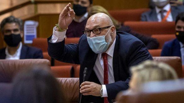 Vox se va del Parlamento andaluz tras ser tachado de franquista por Susana Díaz: