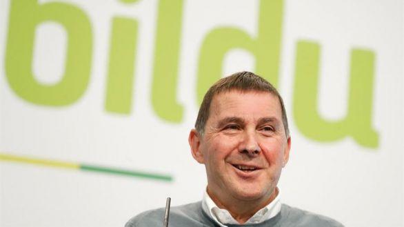 Las bases de Bildu apoyan los Presupuestos con la promesa de la república vasca