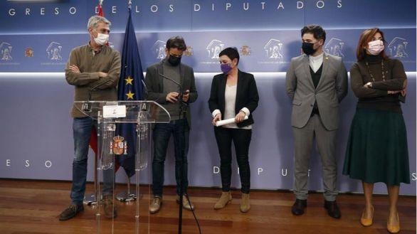 El PSOE tumba con sus votos la enmienda antidesahucios de Podemos, ERC y Bildu