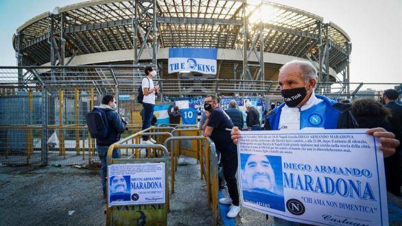 Nápoles se echa a la calle para despedirse de su inolvidable 'San Maradona'