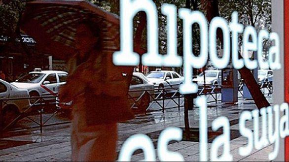 Un euríbor en caída libre permitirá ahorrar 165 euros de media a los hipotecados a tipo variable