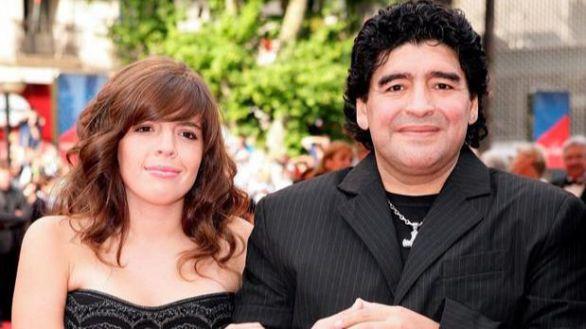 La hija de Maradona se despide de su padre: 'Ya no tengo miedo a mi muerte'
