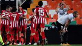 Un gol en propia del Valencia desatasca a un Atlético en racha |0-1
