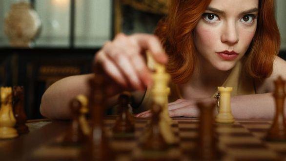 Gambito de dama, la novela en la que se basa la serie de Netflix, llega a las librerías