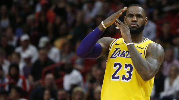 LeBron James, dos años más en los Lakers por 85 millones