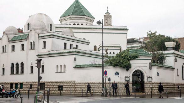 Francia sigue la pista a 76 mezquitas por su posible radicalización
