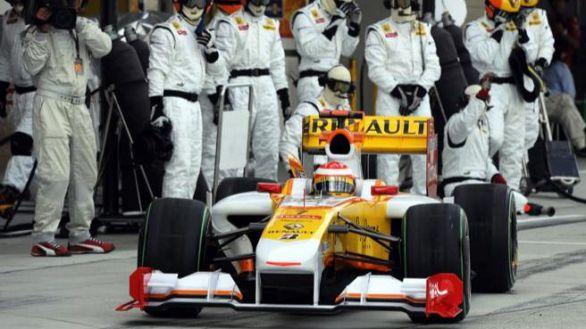 Fórmula Uno. Fernando Alonso se volverá a subir al Renaul el 15 de diciembre