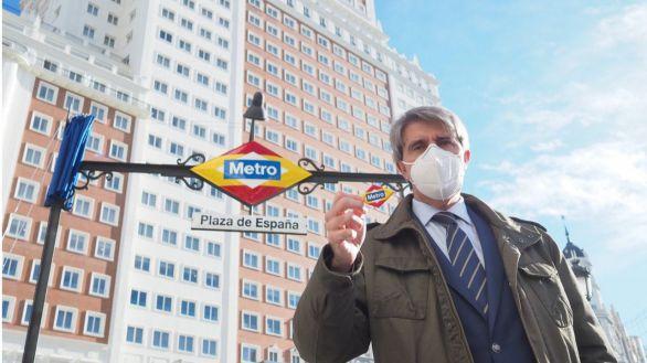 La Comunidad de Madrid rediseña el rombo del Metro de Plaza de España