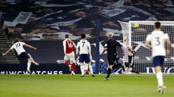 Ligas europeas. El Tottenham lidera y Mbappé llega a 100 goles