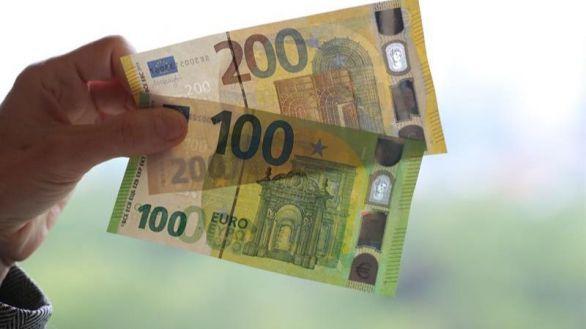 España cobra por financiarse a diez años por primera vez en su historia