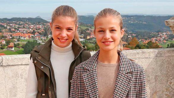 Leonor y Sofía, protagonistas de la felicitación navideña de la Casa Real