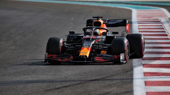 GP Abu Dabi. Verstappen se apunta la última 'pole' del año y Sainz promete