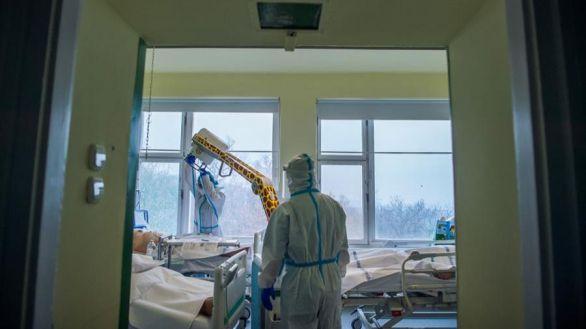 El COVID causa por primera vez más de 15.000 muertes en un sólo día en el mundo