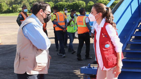 La Reina Letizia llega a Honduras para hacer entrega de ayuda humanitaria