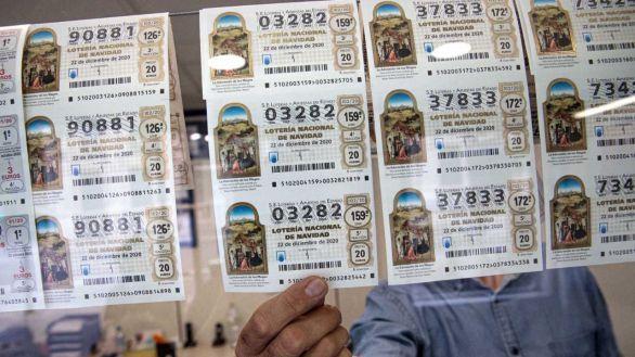 Denunciar, fotografiar el décimo... qué hacer si pierdes la Lotería o si la compartes