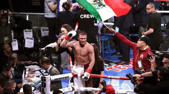 Boxeo. 'Canelo' Álvarez firma una exhibición ante Callum Smith y amplía su leyenda
